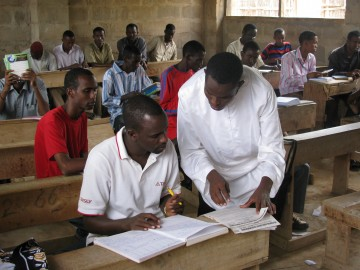 Faculty-wide Project Brings Secondary Teacher Education Program to Refugees in Dadaab